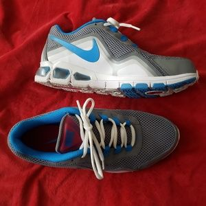 Nike Airmax Athletic Shoes